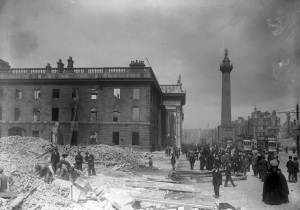The_shell_of_the_G.P.O._on_Sackville_Street_after_the_Easter_Rising_(6937669789)